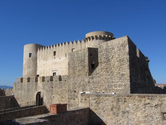 castello-santa-severina-680x510